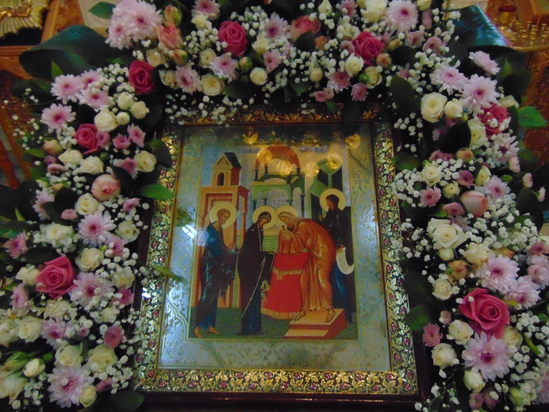 Встреча Бога и человека: 15 февраля православные верующие отмечают Сретение Господне
