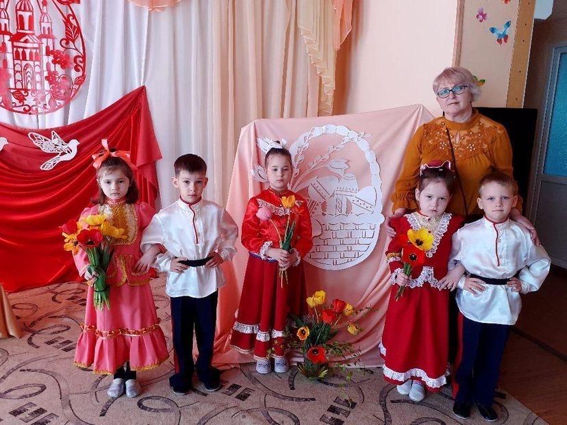 Малыши из миллеровского детского сада № 2 отпраздновали пасху