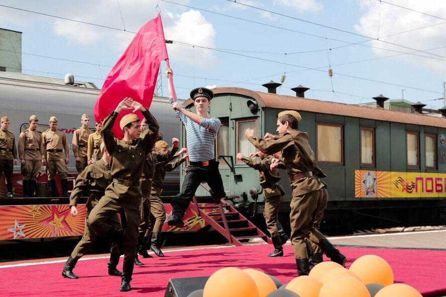 На станции Ростов-Главный встретили поезд «Победа»
