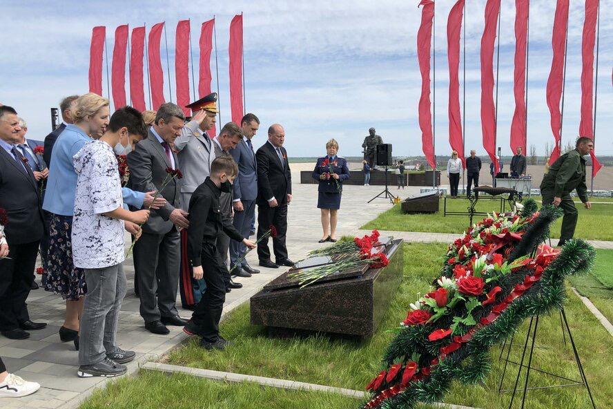 В Ростовской области захоронили останки 88 солдат ВОВ на «Самбекских высотах»