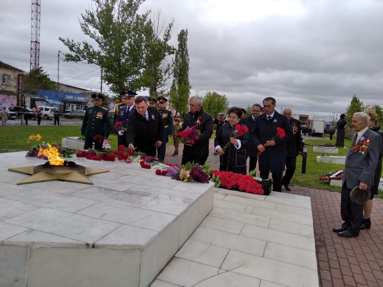 В Миллерово 9 мая прошел воинский парад