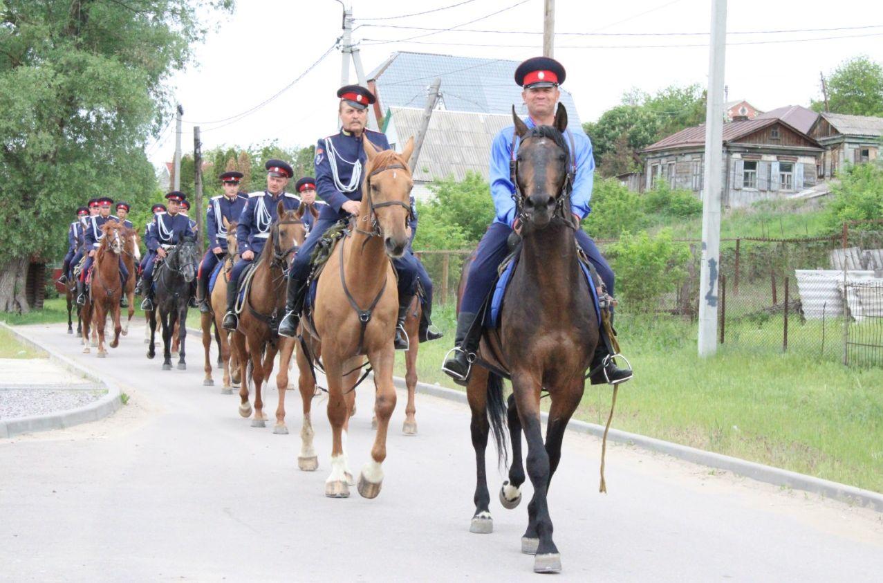 Дружинники Миллеровского конного взвода участвовали в переходе памяти Михаила Шолохова