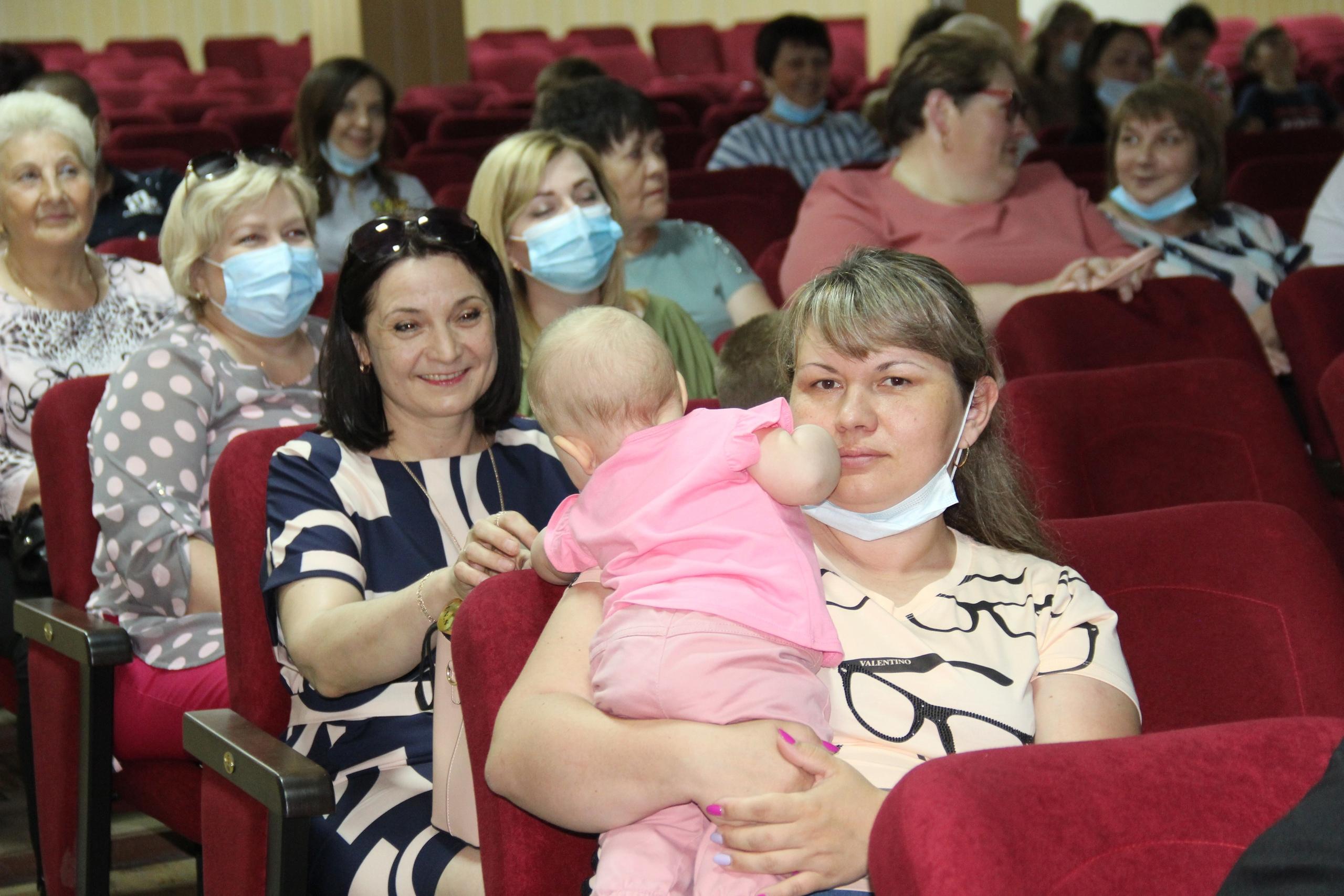 К Дню медицинского работника в Миллерово прошло торжество «Милосердие — движение души»