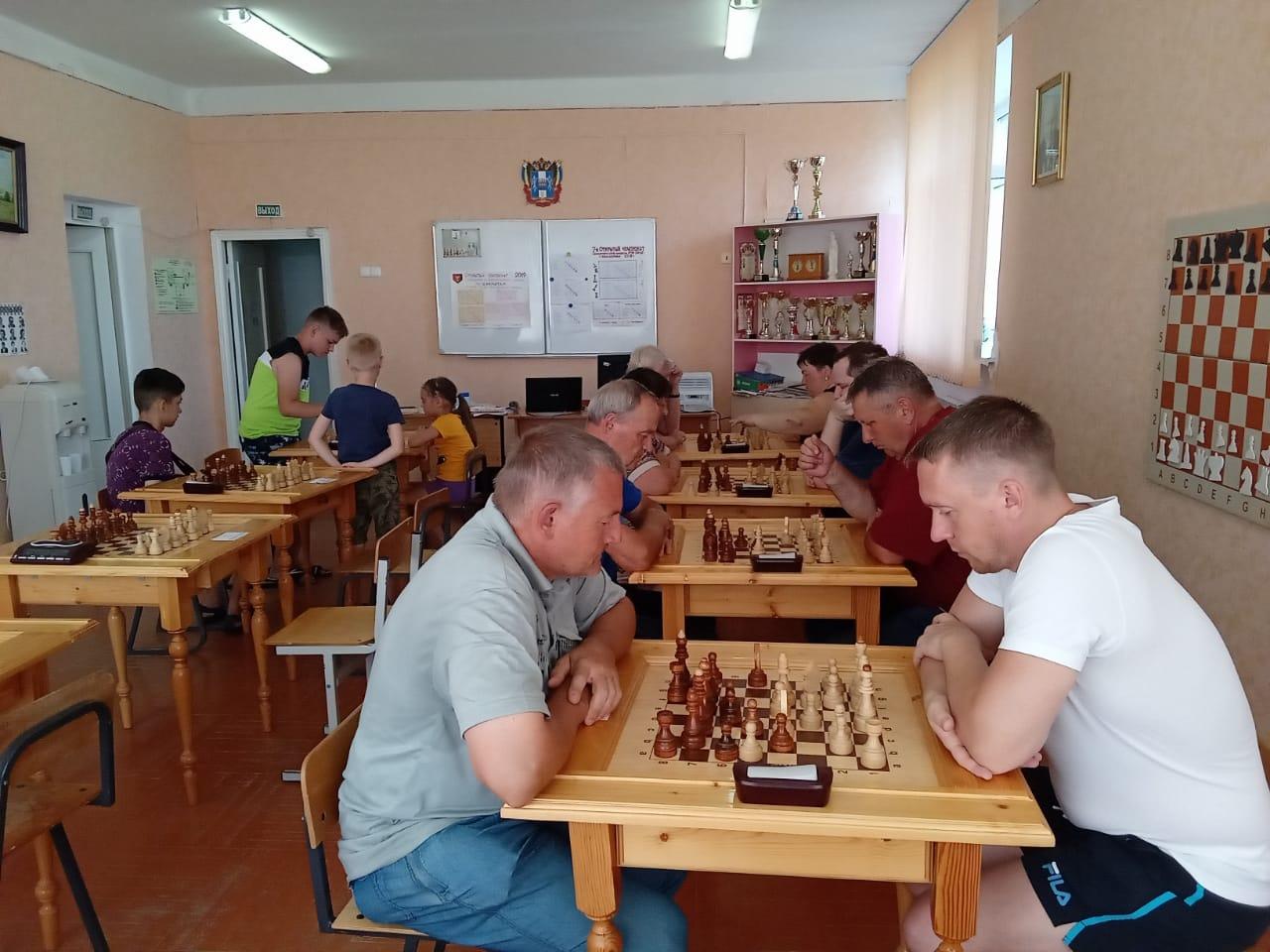 День молодежи: в Миллерово прошли два турнира по шахматам