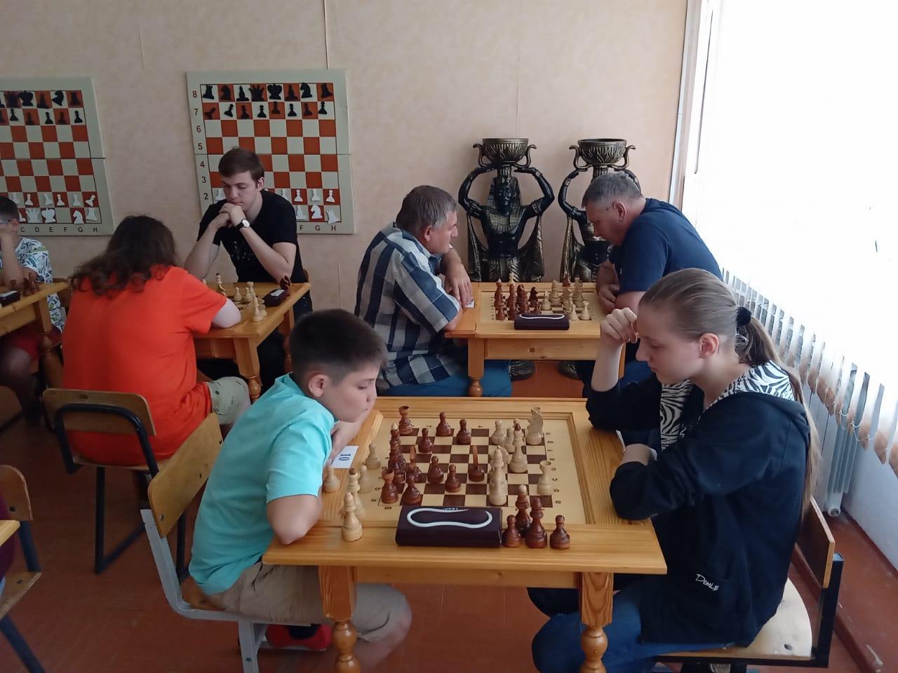 В Миллерово в  честь Дня России прошли шахматные турниры