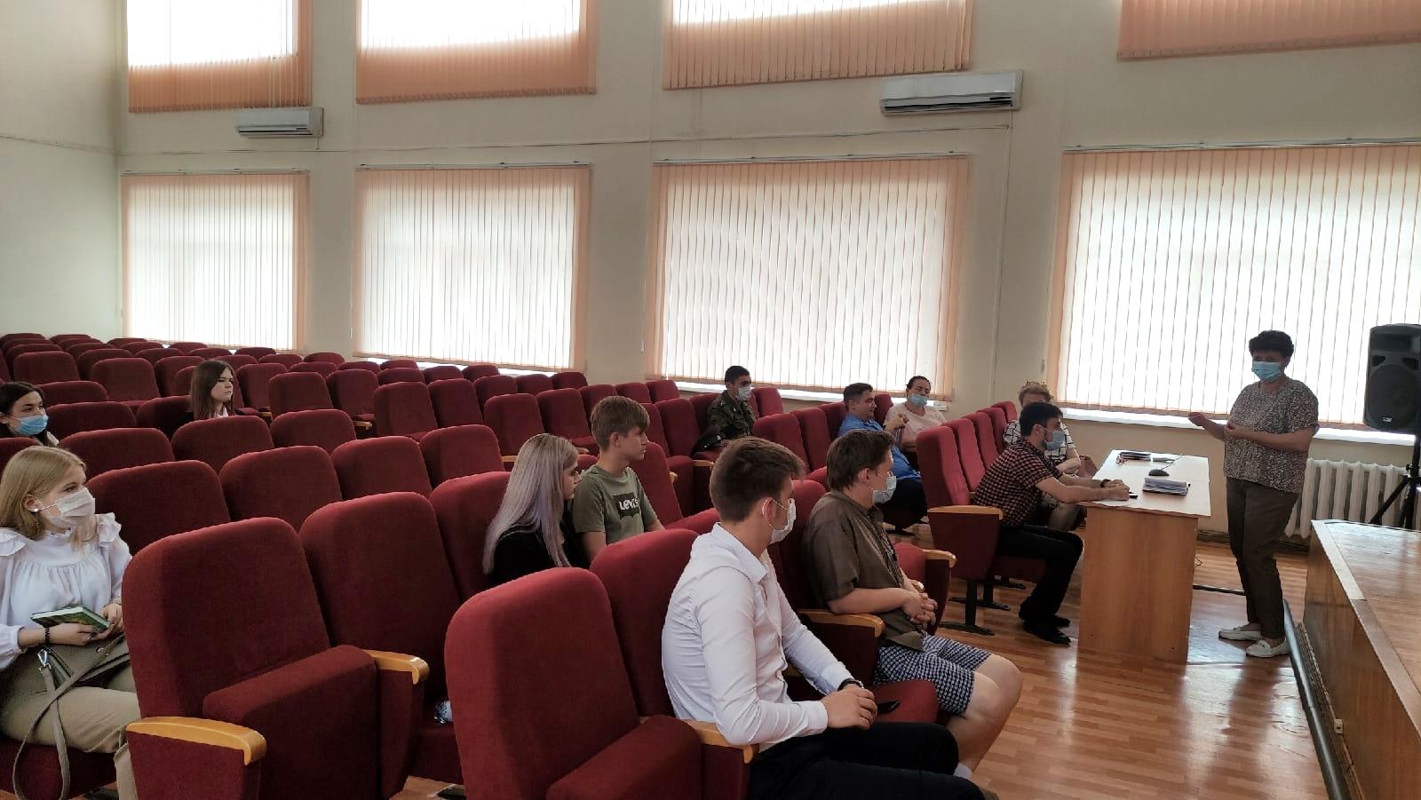 В Миллерово состоялась информационно-просветительская встреча-дискуссия с представителями образовательных организаций