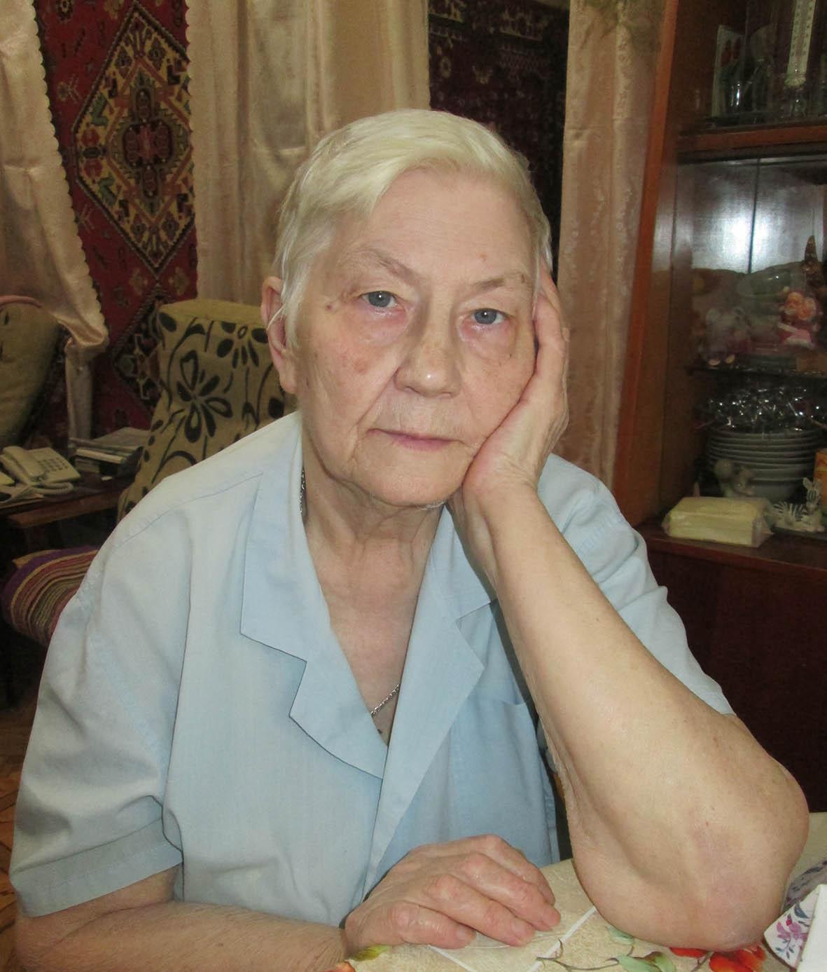 Ветеран труда Валентина Григорьевна Апрышкина 42 года отработала на заводе «Миллеровосельмаш»