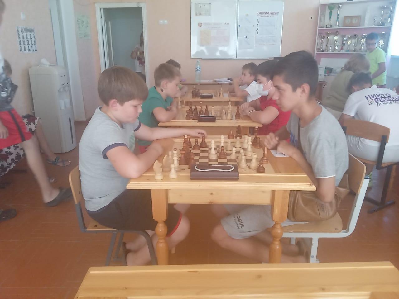В шахматном клубе РГЭУ (РИНХ) прошли два турнира в честь Дня военно-морского флота