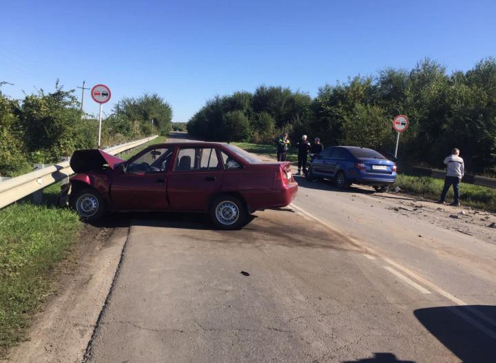 На Дону авто-леди и ее двое детей пострадали в ДТП