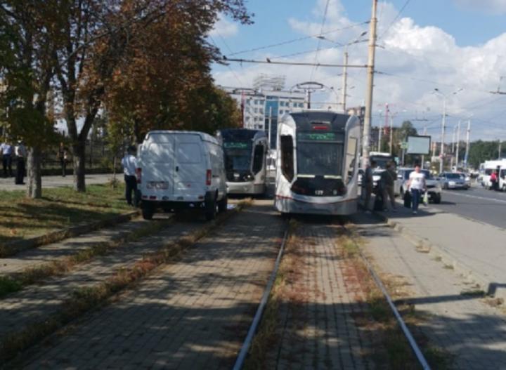 Личность не установлена: в Ростове мужчину насмерть переехал трамвай