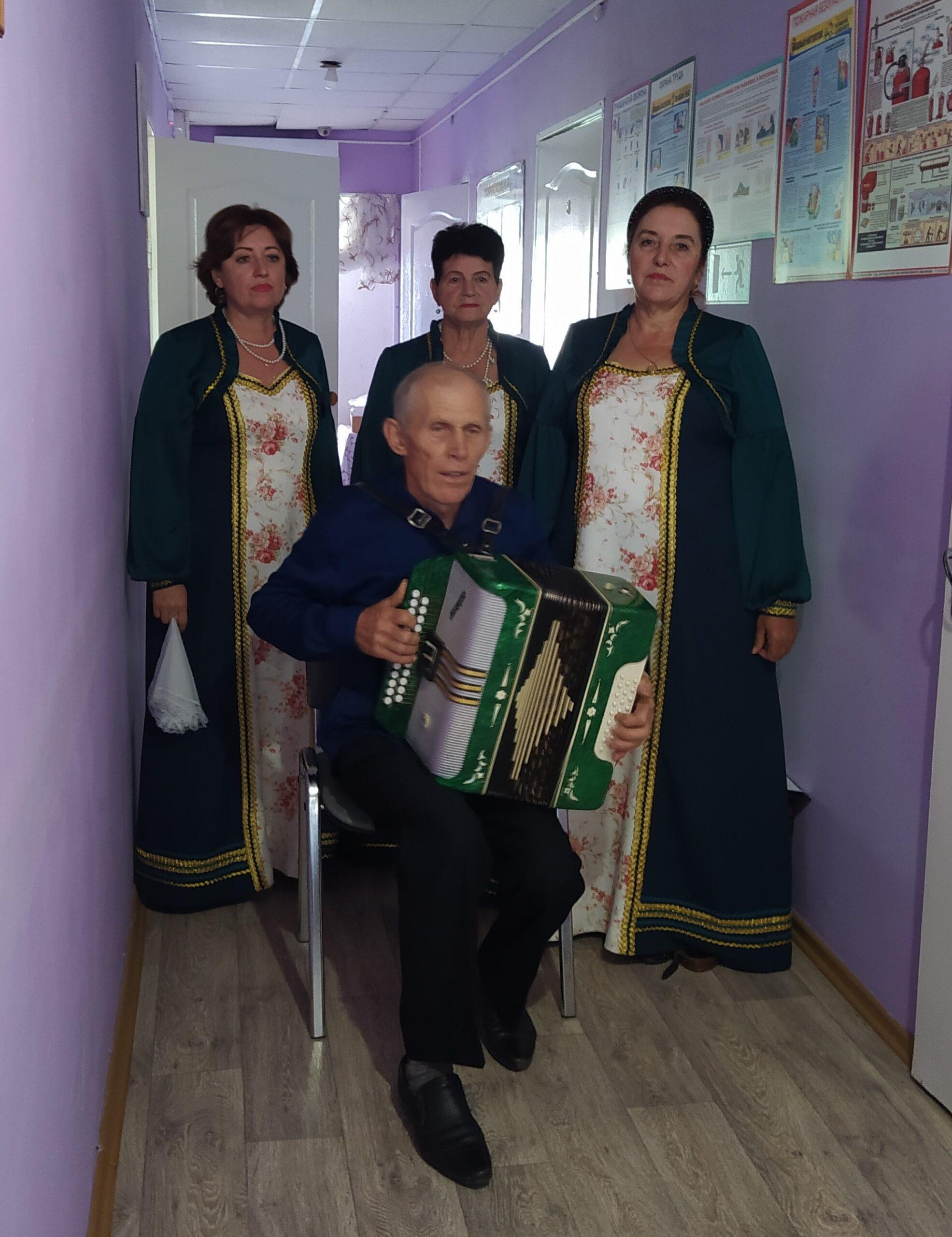 В «Миллеровском доме — интернате для престарелых и инвалидов» прошла социальная акция «От сердца к сердцу»